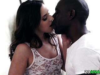 गहरा अंतरजातीय गुदा सेक्स