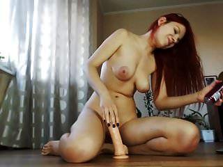 कैम पर बड़े स्तन बनाम dildo के साथ गर्म और सेक्सी रेड इंडियन