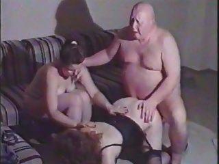 बदसूरत मोटा आदमी परिपक्व औरत fucks