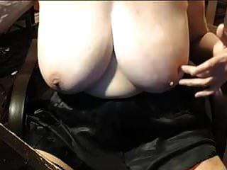 दादी बड़े स्तन के साथ 68 साल की उम्र, 2
