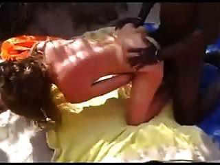 नग्न समुद्र तट छोटे स्तन बीबीसी बकवास दर्शकों को देखने