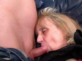दादी गुदा प्राप्त है