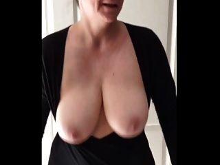 झूलते हुए स्तन