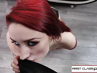 firstclasspov वायलेट मुनरो उसके गले में एक बड़ा डिक ले