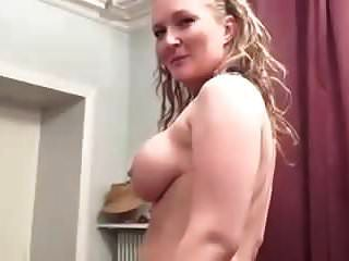 हेलेना कास्टिंग