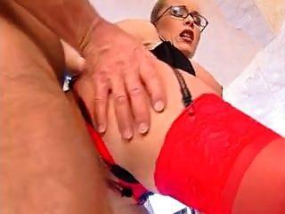 बड़े हैंगर फ्लॉपी स्तन गुदा लाल मोज़ा चश्मा