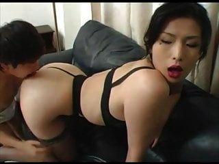 जापानी गर्म युवा busty एमआईएलए चिनमी च
