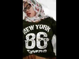 इंडोनेशिया की लड़की हिजाब पोर्न 2018