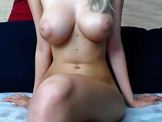 शौकियापोस्ट लेकिन उन स्तन और निप्स के लिए इसके लायक है
