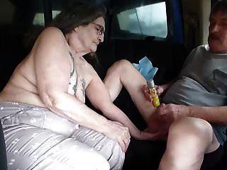 मुझे पता है कि वेश्या जैक से ट्रक की पिछली सीट पर ले गई थी