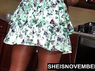 रसोई और अपस्कर्ट आबनूस गधा में sheisnvent टॉपलेस mopping