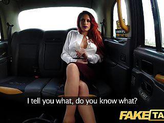 जंगली टैक्सी बकवास में नकली टैक्सी व्यक्तिगत busty रेड इंडियन ट्रेनर