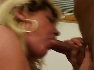 saggy स्तन milf गड़बड़ सफेद मोज़ा