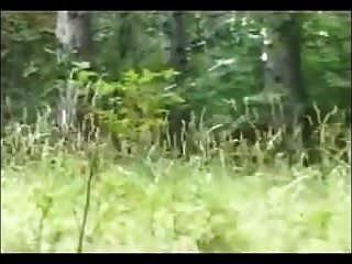 fette schlampe im Wald anal gefickt
