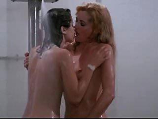 लिंडा ब्लेयर सिबिल डैनिंग ..... नग्न (