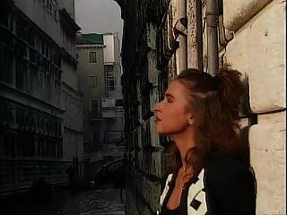जर्मन क्लासिक देवराह कुआँ, अंगी बालटी, एंजेलिका बेला