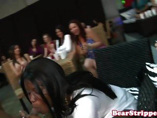 जंगली सीबीटी लड़कियां cocksucking स्ट्रिपर