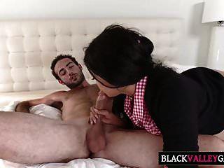 सेक्सी ब्राउन स्वीटी आलिया हदीद के साथ हॉट टाइम