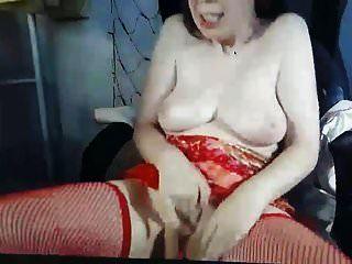बहुत सींग का बना हुआ और बदसूरत एमआईएलए अच्छा स्तन के साथ हस्तमैथुन कैम पर