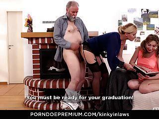 गांठदार inlaws बूढ़े आदमी बेकार है और सौतेली बेटी