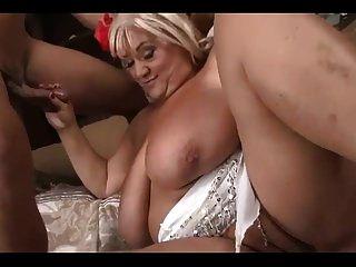 बड़े गधे और स्तन के साथ अच्छा bbw दादी