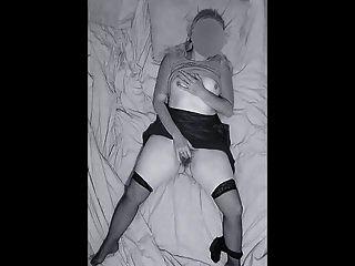 देर रात घर आया खुद को ओर्गा को हस्तमैथुन करते पकड़ा