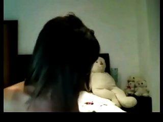 भव्य बड़े boobed लड़की कैम पर उसे सही शरीर दिखा रहा है