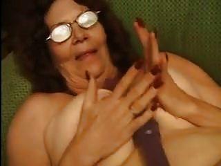 पुराने दादी हस्तमैथुन