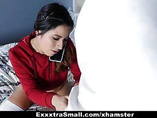 exxxtrasmall छोटे लैटिना किशोर बेकार है और लोड निगल