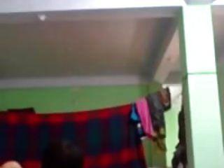देसी भाभी अफेयर बुद्धि देवर चुपके से बेडरूम पति घर