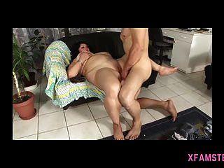वेश्या की भव्य स्वादिष्ट योनी बड़े प्यार के लिए खुली हुई है