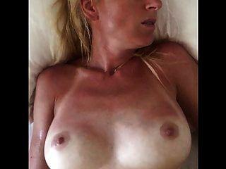 मेरी प्यारी जर्मन पत्नी के साथ मिलकर हस्तमैथुन करें