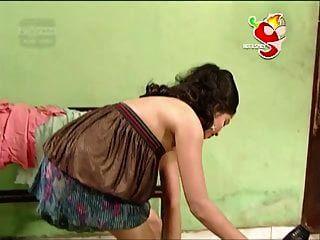 देसी लंका की हॉट अभिनेत्री