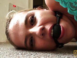रसीला चेहरे से पहले बाध्य सब्स्टीट्यूट इवी जुनून