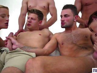 विक्टोरिया शुद्ध और निकोल मिठाई के साथ उभयलिंगी नंगा