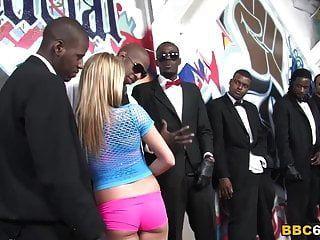बड़े काले लंड के साथ ऐस्पन समूह सेक्स