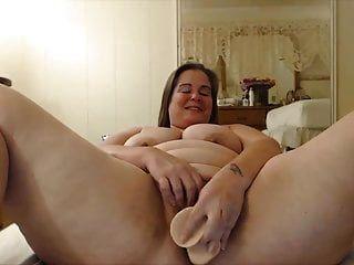खुशी के साथ बड़ी लूट के साथ खुश plumper माँ
