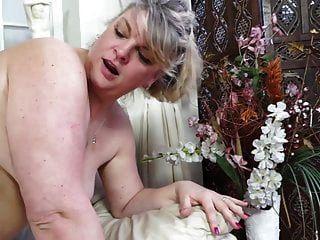 शौकिया परिपक्व चाची cuni और कठिन सेक्स हो जाता है