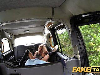 नकली टैक्सी अभिनेता लंदन टैक्सी में शुरुआत करता है