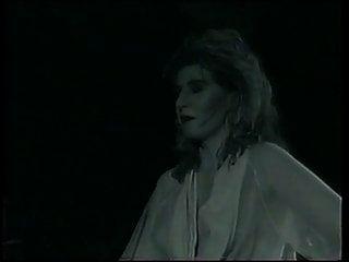 लीना फ्रेंकस्टीन से मिलती हैं (1993)