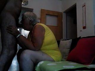 दादी चाहती है…।