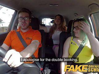 नकली ड्राइविंग स्कूल सेक्स पार्टी ट्रायआउट