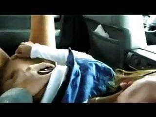 सींग का बना milf कार में चेहरे मिलता है