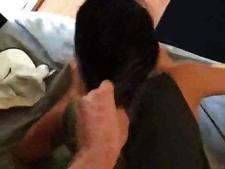 कुत्ते के दौरान उसके बाल खींचना
