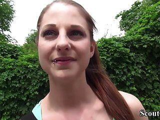 जर्मन स्काउट पिया (18) सड़क पर कास्टिंग में गुदा मैथुन छेड़खानी