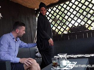 चेक बेब सेक्स के लिए किराए पर छूट चाहता है