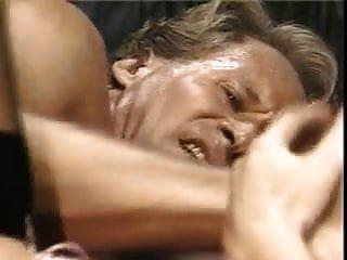 फ़ेड इन बेड (1993)