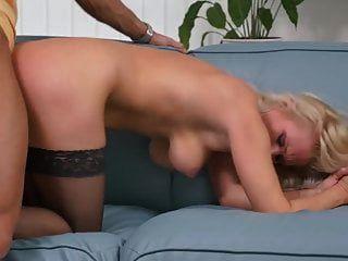 सुंदर परिपक्व माताओं और बेटों के साथ वर्जित सेक्स