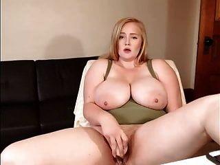 बड़े स्तन के साथ गोरा