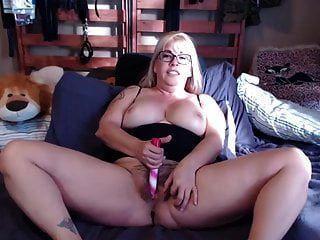 बड़े स्तन के साथ बालों वाली माँ joclyn और बहुत सारे भूमिका निभाते हैं